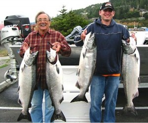 Rogue River Chinook Salmon limits for Mitch and Les Jr. And the big one got away!
